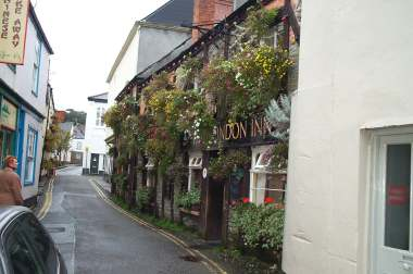 4x3 London Inn.jpg (16108 bytes)